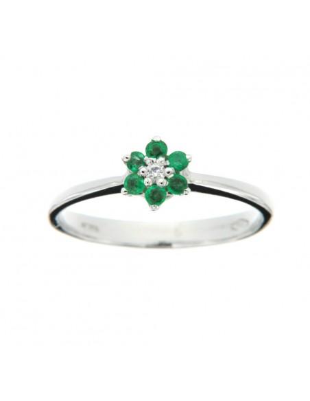 Anello con fiore di smeraldi e brillanti Karal in oro bianco 18 Kt.